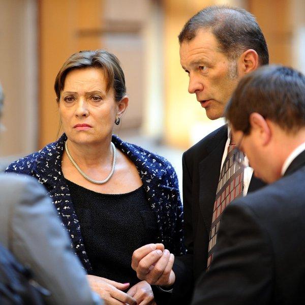 P�edsedkyn� Energetick�ho regula�n�ho ��adu Alena Vit�skov� u soudu