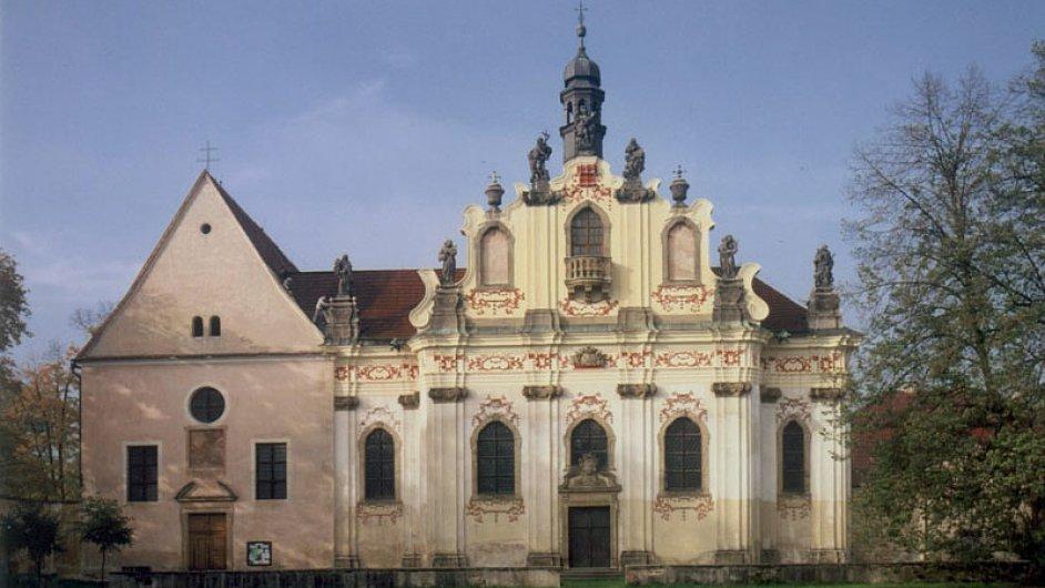 Kostel sv. Tří králů s kaplí sv. Anny.