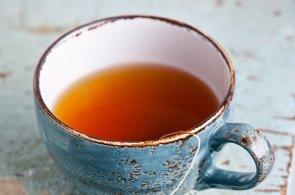 Většina Britů neumí podle vědců správně připravit čaj
