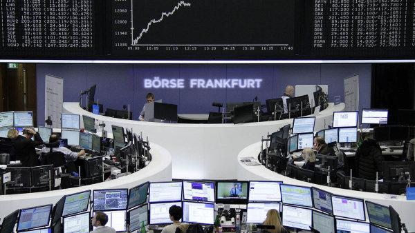 Německý burzovní index DAX ztratil přes tři procenta - Ilustrační foto.