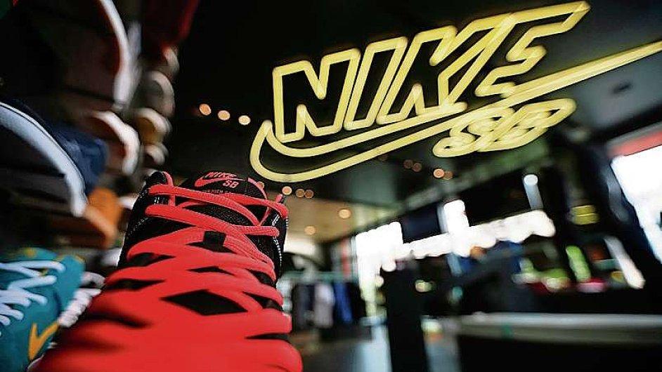 00a1e4ae1 Nike zvýšil zisk o 24 procent, ve čtvrtém kvartále fiskálního roku vydělal  865 milionů dolarů