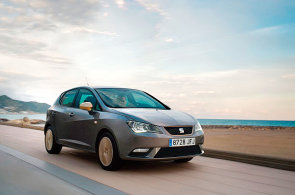 Z trojice Ibiza, Fabia, Polo je �pan�lsk� hatchback nejz�bavn�j��. Na pohled i za volantem.