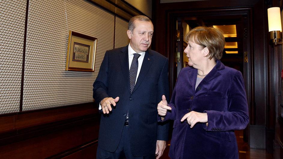 Turecký prezident Recep Tayyip Erdogan a německá kancléřka Angela Merkelová, na jednání v Ankaře 8. února 2016