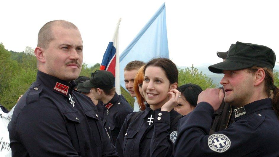 Kotleba Naše Slovensko nacisti fašisti nacismus fašismus rasismus