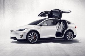 Tesla chystá už páté auto. Model Y bude mít křídlové dveře, i když jsou poruchové