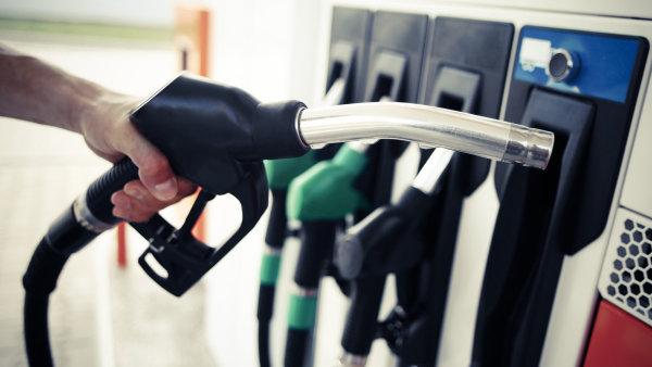Tržby za pohonné hmoty v srpnu vzrostly o 6,8 procenta - Ilustrační foto.