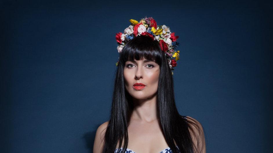 Módní návrhářka Marie Stará už třetím rokem tvoří národní kostýmy na světové soutěže pro Českou Miss.