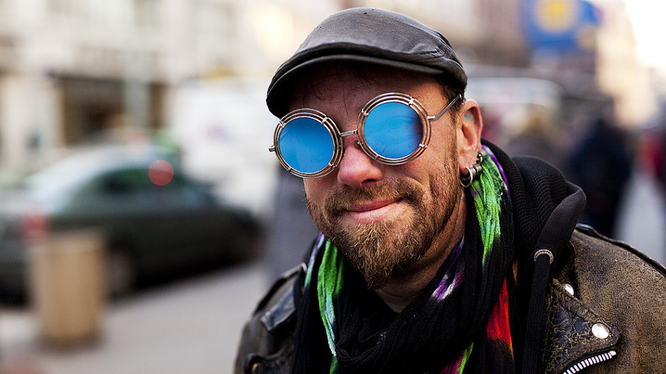 Už několik let vystupuji jako bavič na Staroměstském náměstí. A nenudím se.