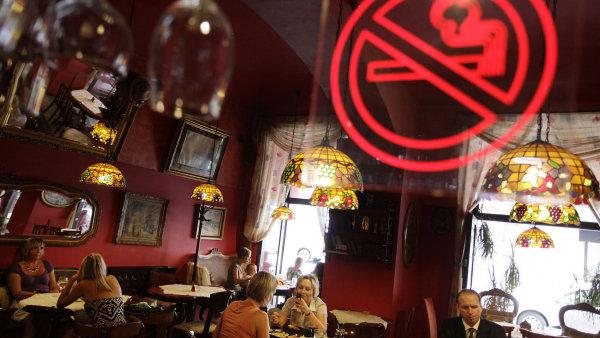Protikuřáckým zákonem se mají restaurace řídit od letošního června - Ilustrační foto.