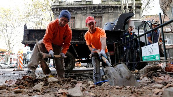 Stavebnictví v červenci zrychlilo meziroční růst na 15,8 procenta.