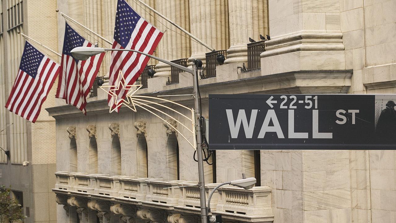 Na Wall Street se letos v prosinci a lednu obchoduje každý den s výjimkou svátečních čtvrtků.