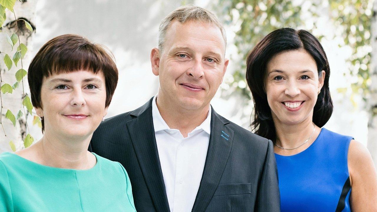 Veronika Strolená, Daniel Szmaragowski a Martina Štegová, KPMG Česká republika