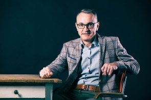 Kardiolog Josef Veselka: Po čtyřech maratonech absolvoval čtyřměsíční maraton v psaní. A vydává knihu