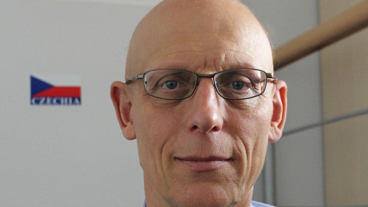 Petr Pavlínek, ekonomický geograf z Univerzity Karlovy a University of Nebraska Omaha
