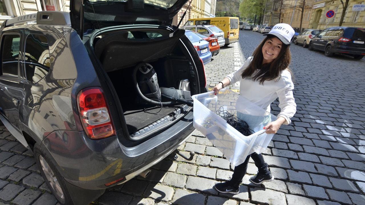 Uber na Den Země zdarma odveze staré elektrospotřebiče z pražských domácností a kanceláří.