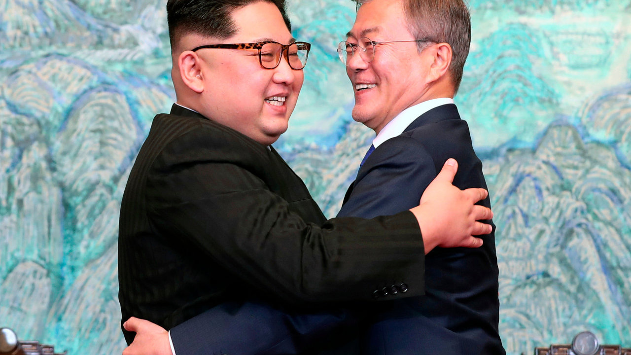 Kim Čong-un a Mun Če-in.