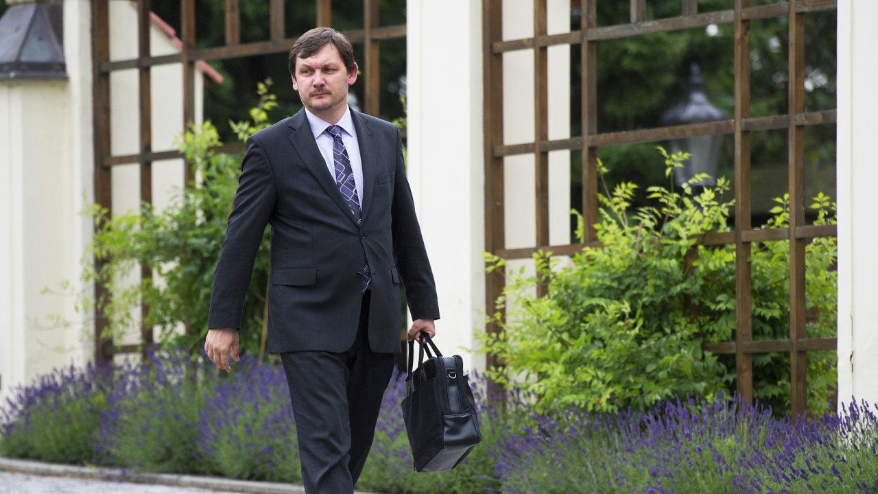 Augustin byl místopředsedou SPOZ čtyři roky, za stranu neúspěšně kandidoval v krajských i parlamentních volbách.