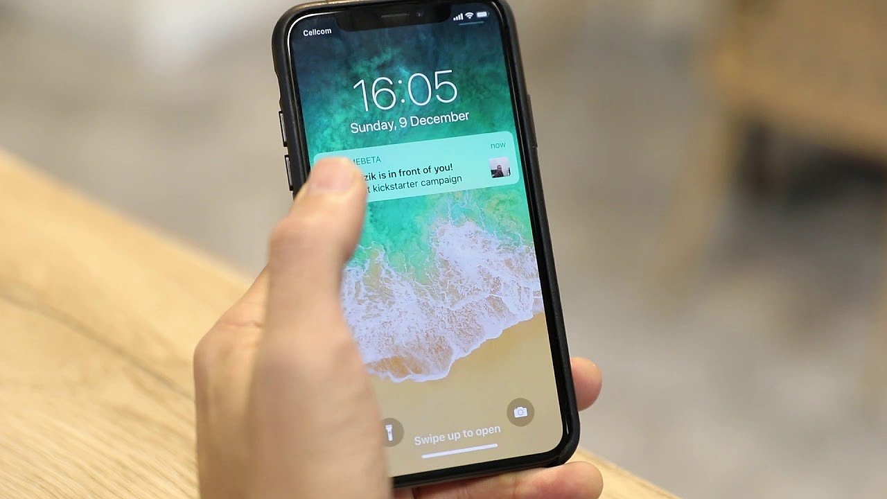 Aplikace dokáže porovnat pořízenou fotografii s kontakty na sociálních sítích.