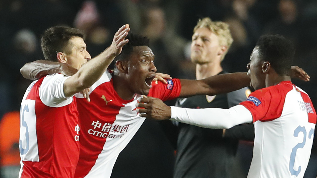 Slavia vedle dvou bodů za vítězství nad Sevillou získala také bonusový bod za postup do čtvrtfinále Evropské ligy.