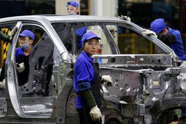 Většina čínských továren předních světových automobilek byla v lednu a v únoru zavřena. Nových případů nákazy už ale v Číně ubývá a mnoho firem začíná aktivity postupně obnovovat. - Ilustrační foto.