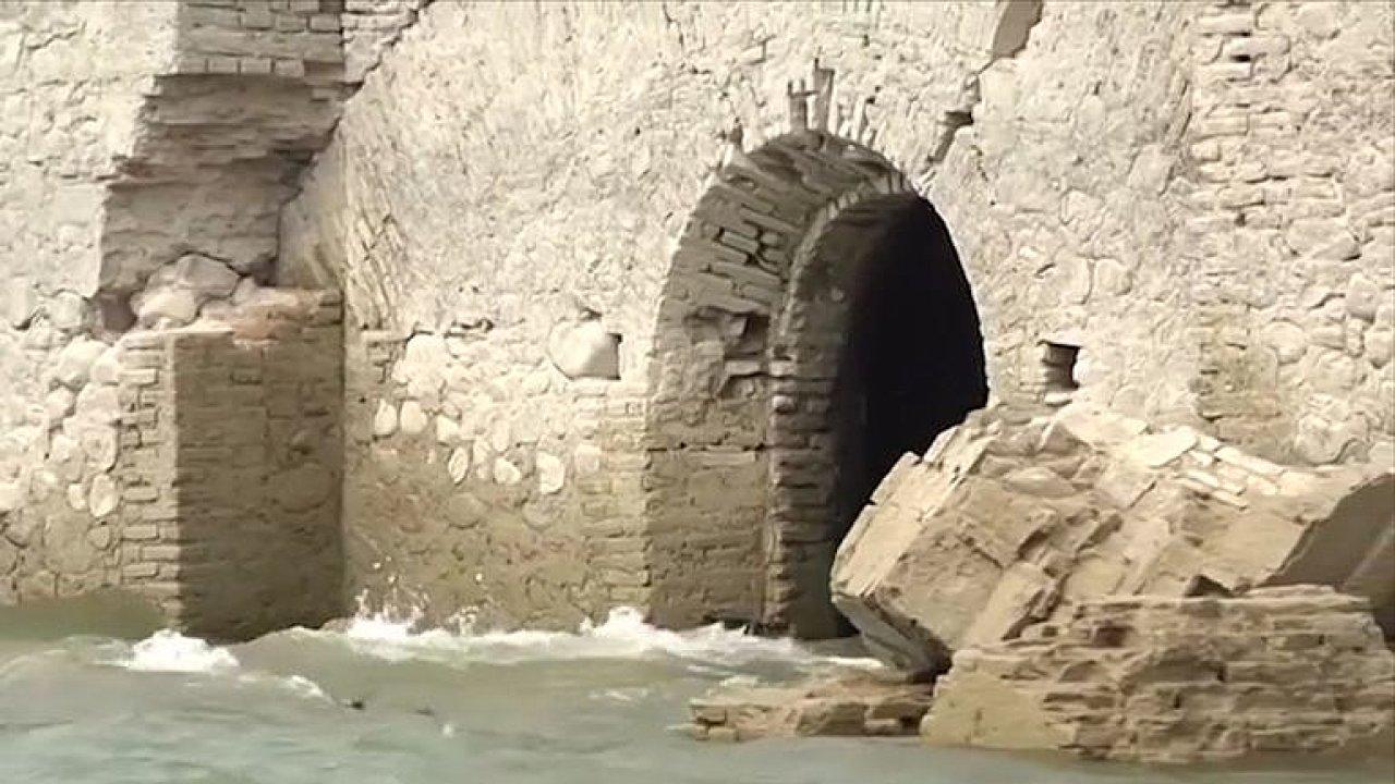 Přehrada odhalila své tajemství. Zaplavený dominikánský kostel ze 16. století