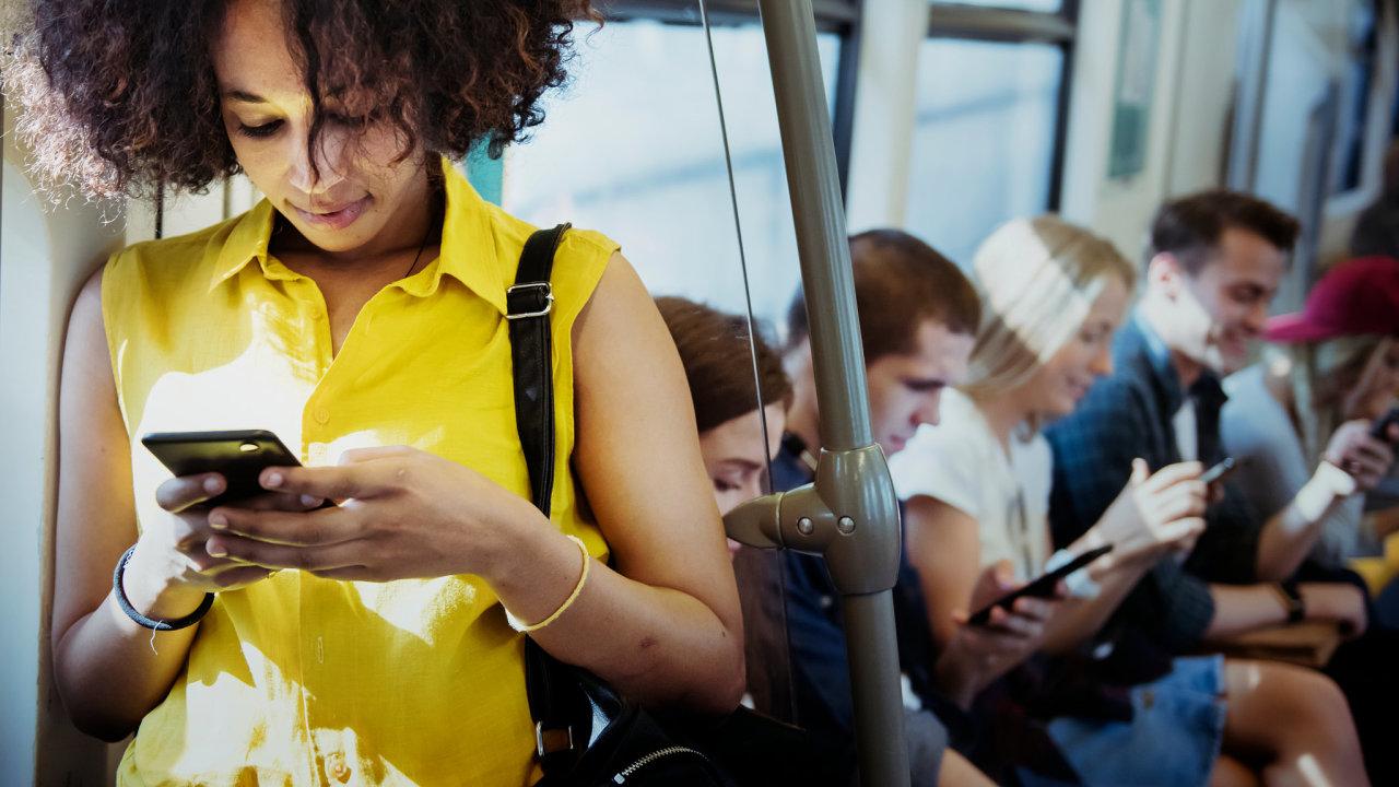 technologie, osobní data, sociální sítě