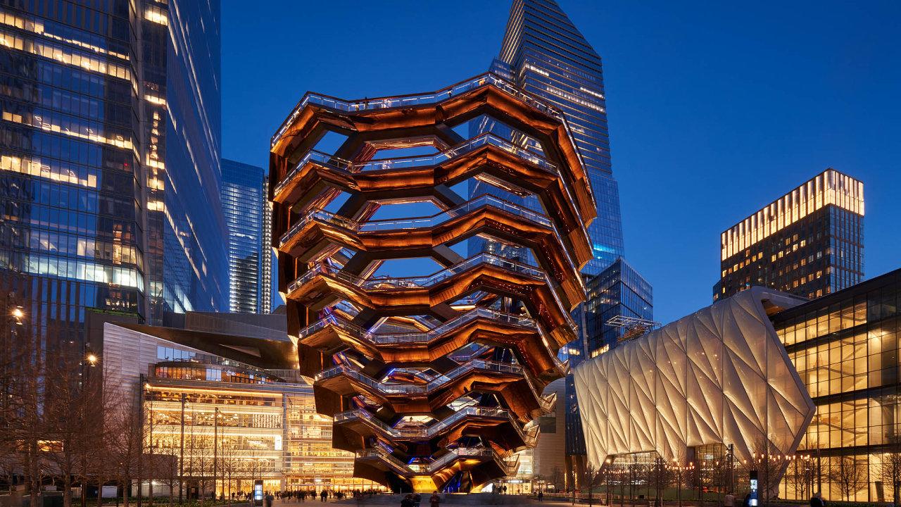 Konstrukce newyorské vyhlídková věže Vessel je plná průhledů připomínajících včelí plástve.