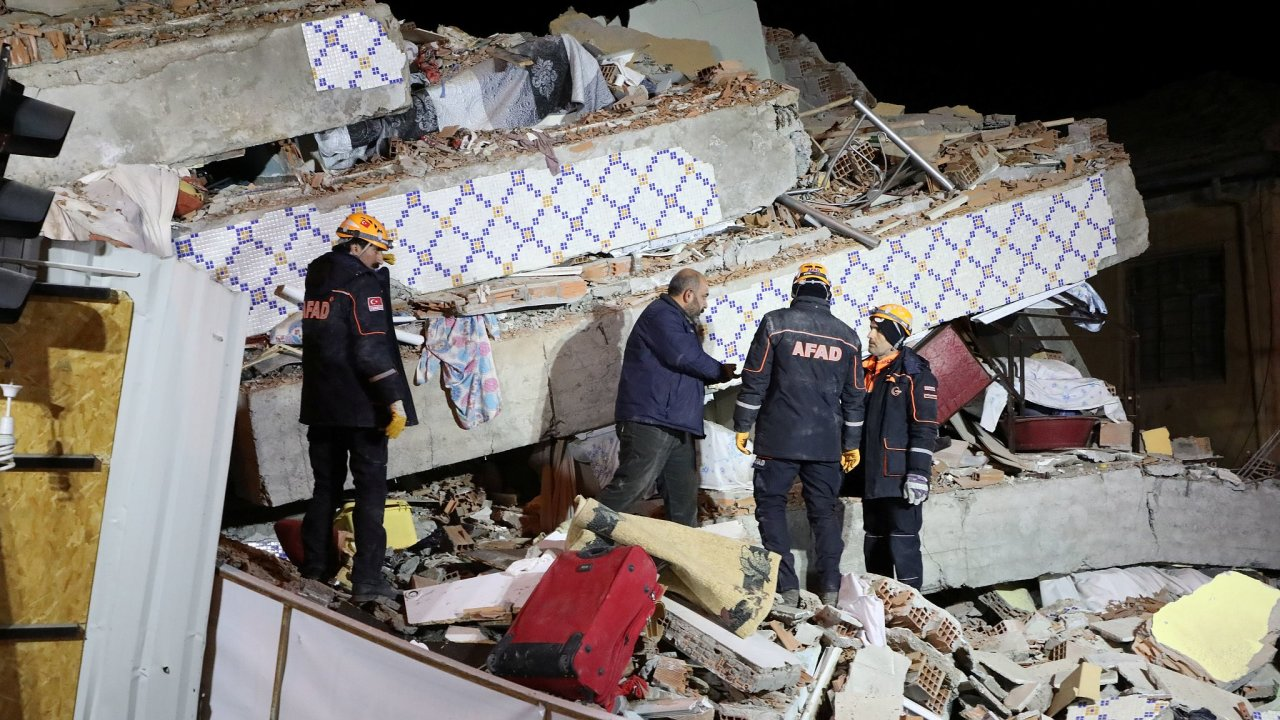 Následky zemětřesení v Turecku.