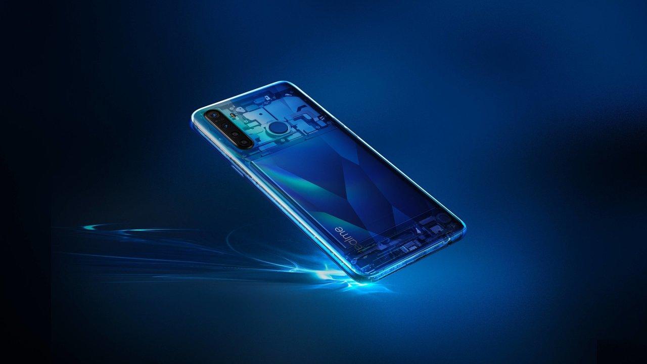 Realme 5 zvyšuje sázky mezi levnými telefony, ale fotoaparátů má zbytečně moc.