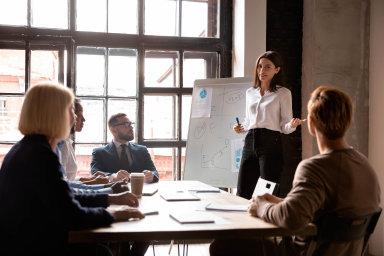 Podle údajů CzechTradu má řada českých firem problémy se zaměstnanci v zahraničí. Chybou je podcenit znalost práva i osobní kontakt.