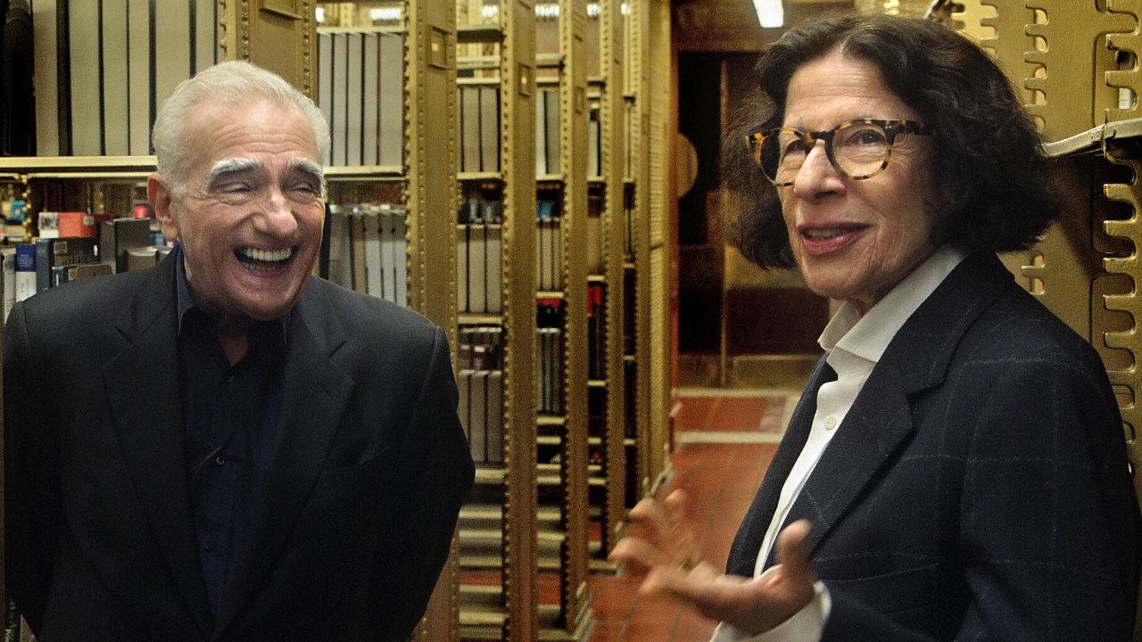 Neúnavná pozorovatelka života v New Yorku Fran Lebowitzová je žena s výraznými názory a zážitky. V dokumentu Předstírejte, že je to v pořádku jí naslouchá režisér Martin Scorsese.