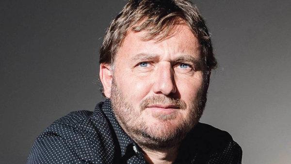 David Storch působí jako profesor naPřírodovědecké fakultě UK avCentru pro teoretická studia Univerzity Karlovy aAkademie věd ČR.