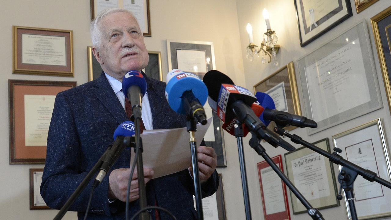 Bývalý prezident Václav Klaus se 25. května 2021 v Praze vyjádřil k informacím médií.
