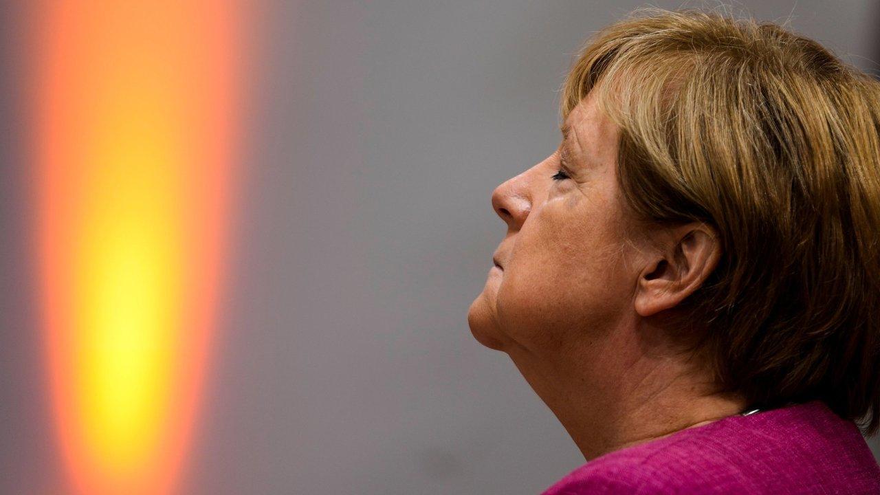 Vysoká laťka. I když je jinak oblíbená Angela Merkelová kritizována i ve vlastní straně, najít jejího nástupce nebude pro CDU snadné.