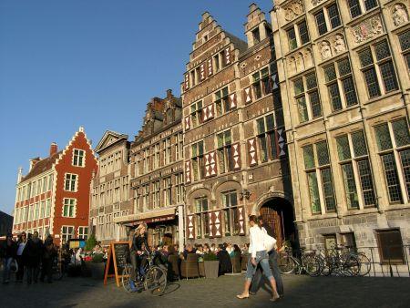 Vlakem můžete navštívit například belgický Gent