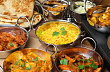Pro indickou kuchyni je typick� r�zn� upraven� zelenina a lu�t�ninami, ale pot�� i zaj�mav�mi �pravami masa.