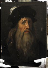 Nedávno objevený renesanční obraz tváře Leonarda da Vinci.