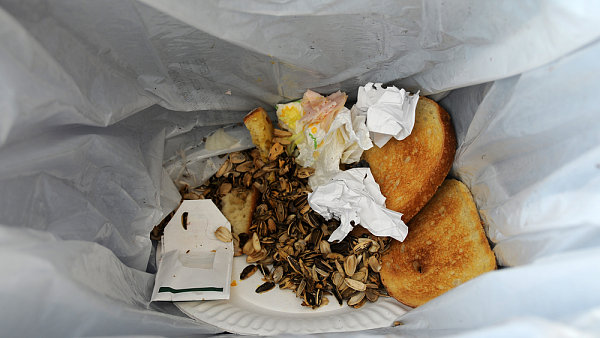 Pr�m�rn� Evropan vyhod� ro�n� 174 kilogram� j�dla.