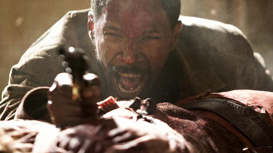 Nespoutaný Django převrací pravidla žánru - místo vyhrazené kovbojům zabere bývalý otrok