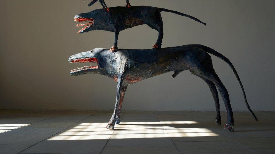 Michal Gabriel v Bechyni vystavuje také tři plastiky z osmdesátých let.