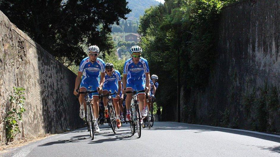 Italská reprezentace na tréninkové vyjížďce před startem šampionátu