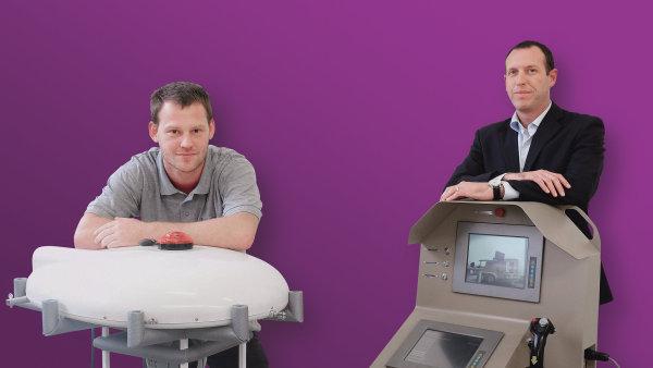 Izraelec Doron Schulz (vpravo) přišel s ideou monitorovacího balonu. Čech Jan Vavřík projekt dotáhl až do funkčního prototypu.