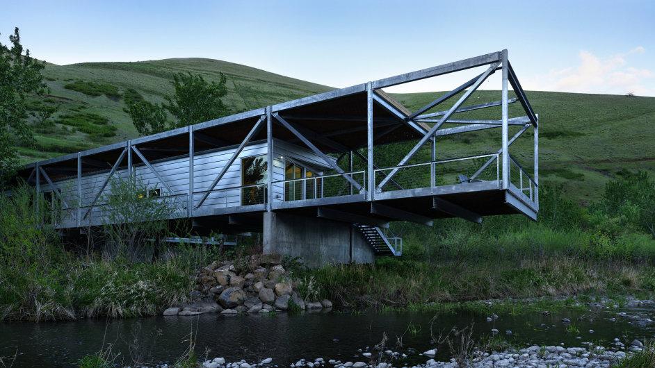Jeden z Říčních domů od amerického architekta Paula Hirzela