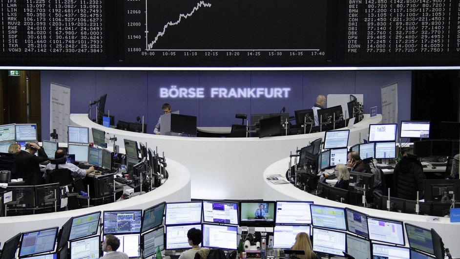 Německo zůstává tahounem.