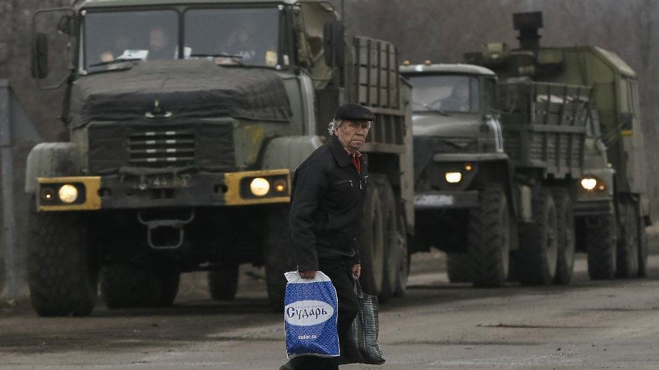 Rusko poslalo na východ Ukrajiny další konvoj kamionů (ilustrační foto).