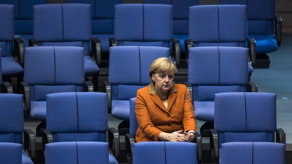 Angela Merkelová na jednání Bundestagu