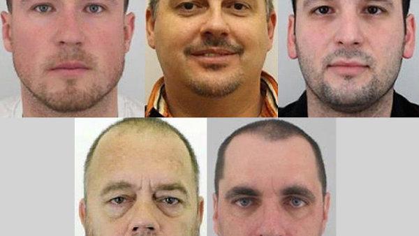 Pět Čechů zmizelých v Libanonu.