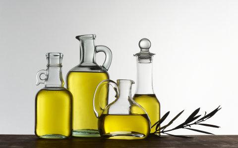 "Ceny olivov�ho oleje stouply o p�tinu. Olivovn�ky tr�pilo po�as� i ""ebola"""