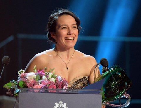 Cenu prezidia Herecké asociace pro mladého umělce do 33 let v oboru činoherní tvorby získala Pavla Janiššová ze Západočeského divadla Cheb.