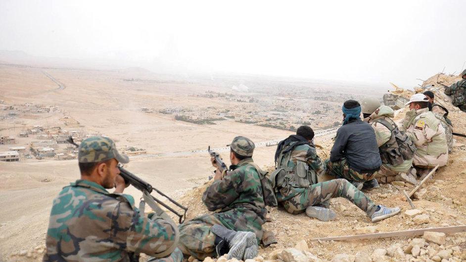 Syrská armáda dobyla Palmýru z rukou Islámského státu.